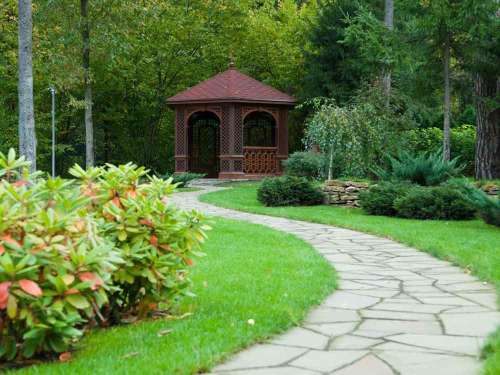 paver garden path
