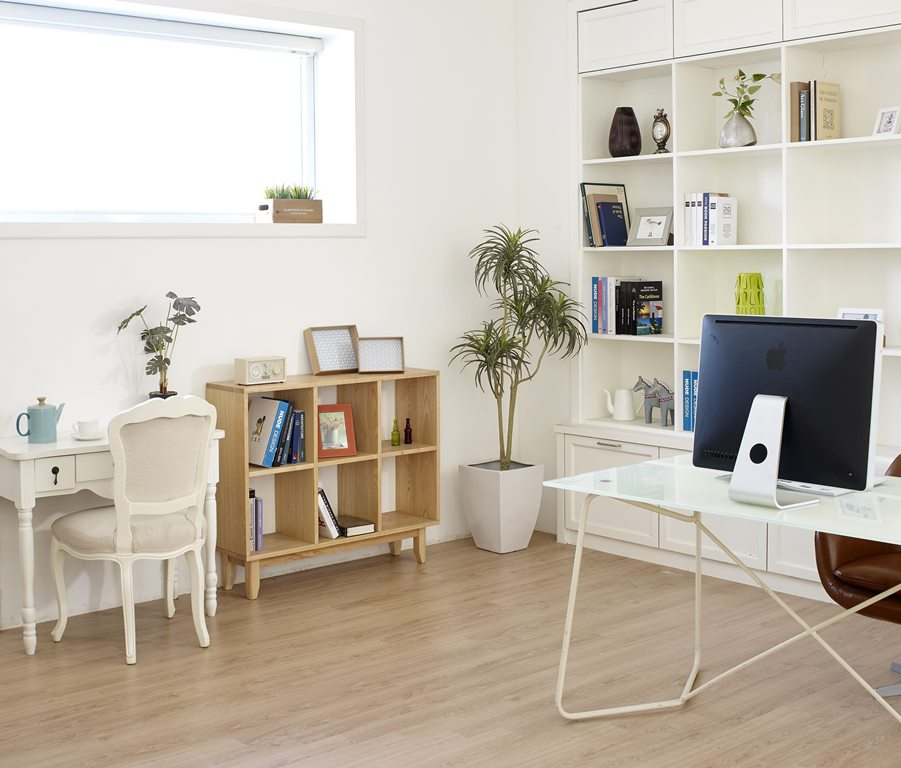 luxury vinyl flooring color trends